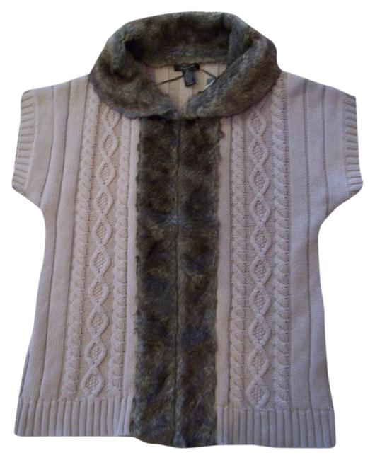 Preload https://item1.tradesy.com/images/style-and-co-beige-vest-faux-fur-trim-metallic-cardigan-size-10-m-417640-0-0.jpg?width=400&height=650