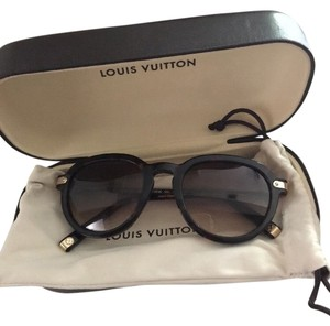Louis Vuitton Authentic Louis Vuitton Tortoise shell aviator sunglasses limited edition