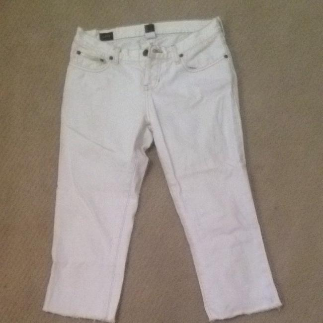 Preload https://item4.tradesy.com/images/abercrombie-and-fitch-white-capris-4176523-0-0.jpg?width=400&height=650