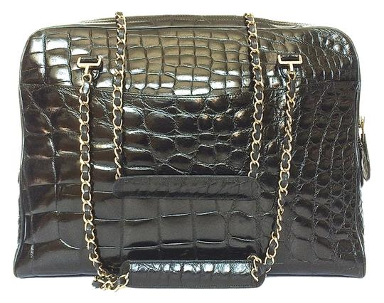 Preload https://img-static.tradesy.com/item/4178515/chanel-very-rare-vintage-black-alligator-shoulder-bag-0-0-540-540.jpg