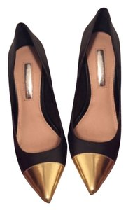 Halston Black and gold Pumps