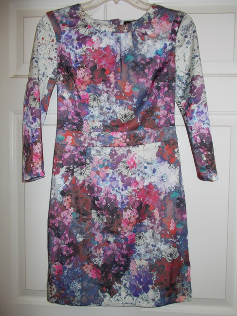 Preload https://item3.tradesy.com/images/h-and-m-multifloral-above-knee-short-casual-dress-size-6-s-418367-0-0.jpg?width=400&height=650
