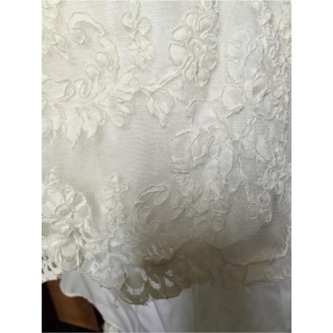 Watters Cream Lace Gown Vintage Wedding Dress Size 8 (M) Watters Cream Lace Gown Vintage Wedding Dress Size 8 (M) Image 10