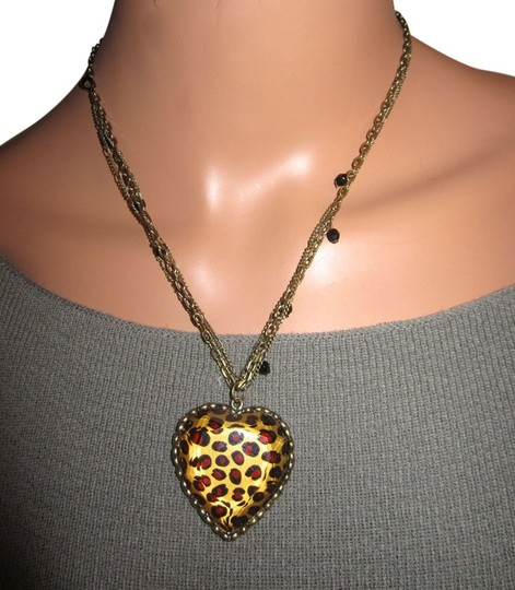 Preload https://img-static.tradesy.com/item/4184857/betsey-johnson-brown-and-gold-leopard-heart-statement-necklace-0-0-540-540.jpg