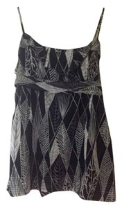 BCBGMAXAZRIA Bcbg Summer Empire Top Black & white design with accents of purple
