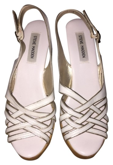 Preload https://item3.tradesy.com/images/steve-madden-white-with-gold-detail-wedges-4187137-0-0.jpg?width=440&height=440