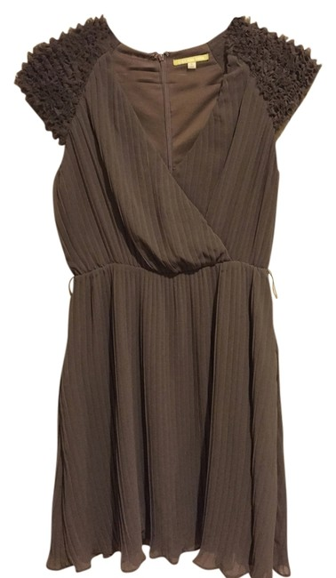 Preload https://img-static.tradesy.com/item/4188322/gianni-bini-brown-taupe-like-new-short-night-out-dress-size-6-s-0-0-650-650.jpg