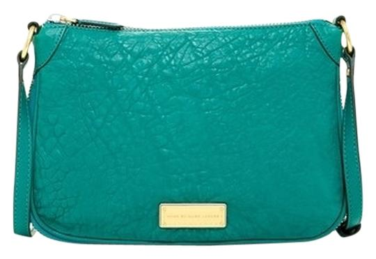 Preload https://img-static.tradesy.com/item/4188385/marc-by-marc-jacobs-teal-island-green-leather-cross-body-bag-0-0-540-540.jpg