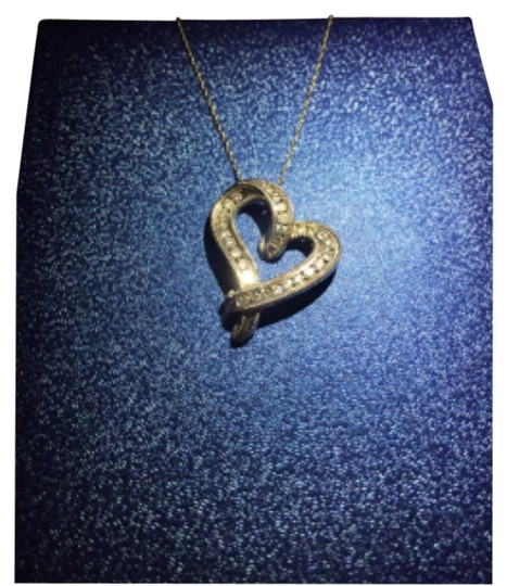 Preload https://img-static.tradesy.com/item/4188628/bailey-banks-biddle-heart-pendant-with-chain-necklace-0-0-540-540.jpg