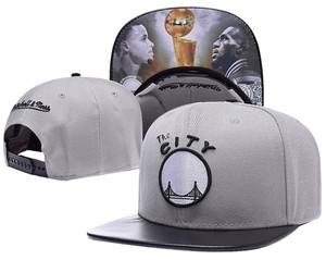 """Mitchell & Ness NWT. GOLDEN STATE """"FINALS"""" CURRY/LEBRON LEATHER ADJUSTABLE SNAPBACK HAT CAP"""