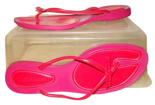 Preload https://item5.tradesy.com/images/cole-haan-red-and-pink-thong-sandals-size-us-10-regular-m-b-4190434-0-0.jpg?width=440&height=440