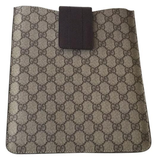 Preload https://item4.tradesy.com/images/gucci-gucci-tech-accessories-4192813-0-0.jpg?width=440&height=440