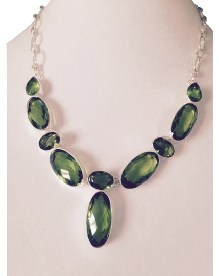 Preload https://img-static.tradesy.com/item/4194790/greensilver-checkerboard-faceted-peridot-gemstone-in-sterling-necklace-0-0-540-540.jpg