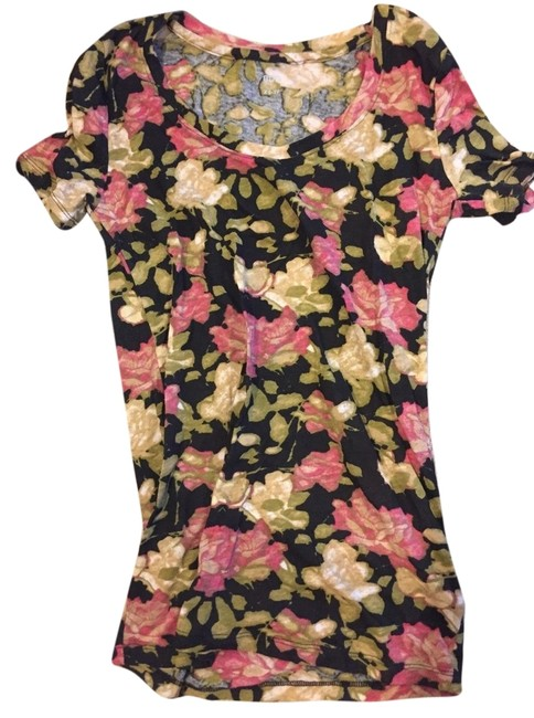 Preload https://item1.tradesy.com/images/bdg-floral-tee-shirt-size-8-m-4198495-0-0.jpg?width=400&height=650