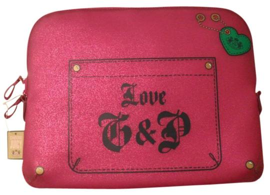 Preload https://img-static.tradesy.com/item/419908/juicy-couture-pink-glitter-jelly-laptop-sleeve-case-tech-accessory-0-0-540-540.jpg