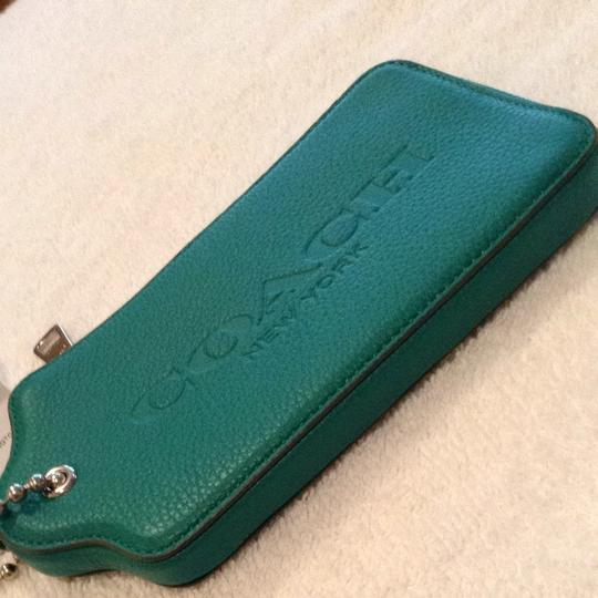Coach Coach Green Multifunction Large Card Holder Keychain