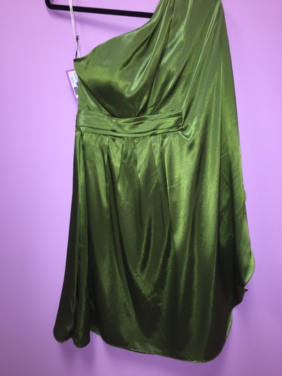 Bari Jay Forest Green Charmuese 108 Formal Bridesmaid/Mob Dress Size 6 (S)