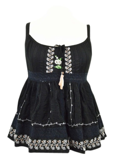 Preload https://item5.tradesy.com/images/free-people-black-daisy-embroidered-tank-topcami-size-6-s-4200619-0-0.jpg?width=400&height=650