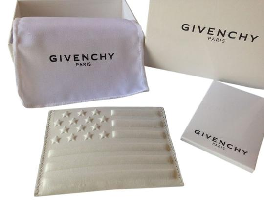 Preload https://item1.tradesy.com/images/givenchy-givenchy-american-flag-debossed-leather-card-case-4204255-0-0.jpg?width=440&height=440
