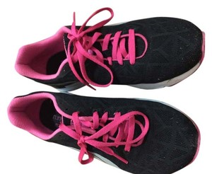 Puma Tennis Sneakers Black pink Athletic