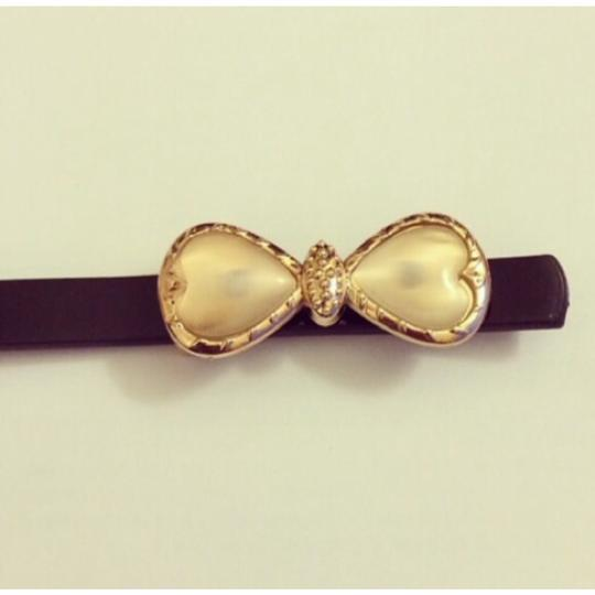 Other Pearl Bow Skinny Belt