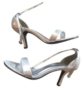 David's Bridal Silver Bridesmaid Wedding Low Heel Metallic Silver Metallic Formal