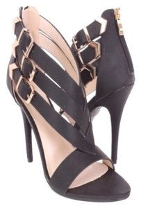 Machi Black Pumps