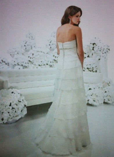 Impression Bridal White Chiffon Couture Collection Style 6128 Modern Wedding Dress Size 10 (M)