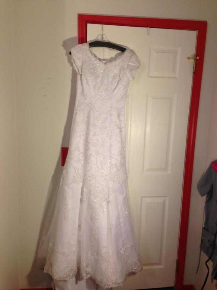 Loose mermaid fit wedding dress tradesy for Loose fitting wedding dresses