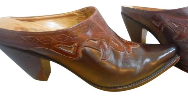 Item - Brown Low Heel Leather Mules/Slides Size US 7