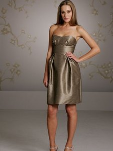 Jim Hjelm Occasions Acorn 5053 Formal Bridesmaid/Mob Dress Size 10 (M)