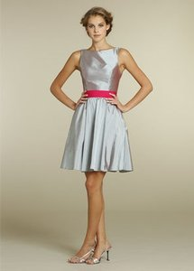 Jim Hjelm Occasions Opal 5207 Feminine Dress Size 8 (M)