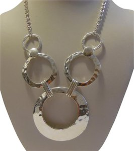 Silvertone 18 Inch Hammered Circle Necklace