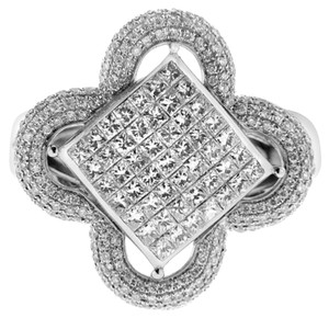 BRAND NEW, 14K White Gold Ladies Floral Design Cocktail Ring