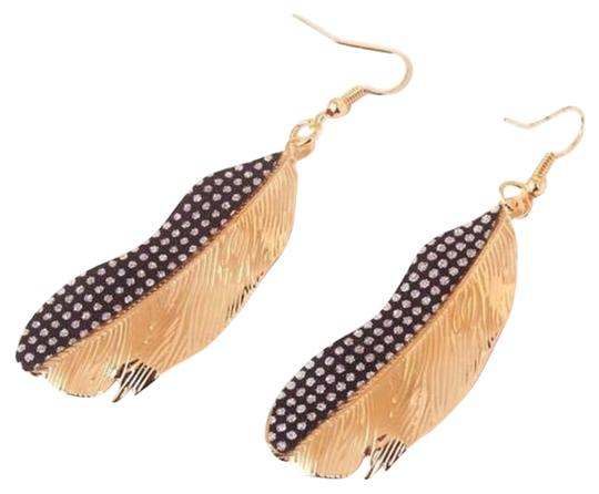 Feathers Golden and black glitter style feather dangle earrings