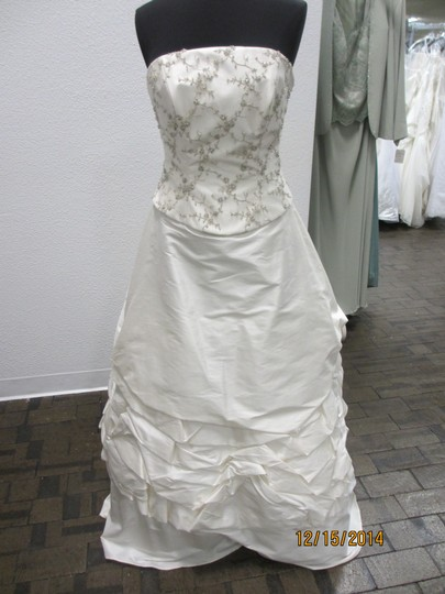 Demetrios Cr142 (125l) Wedding Dress