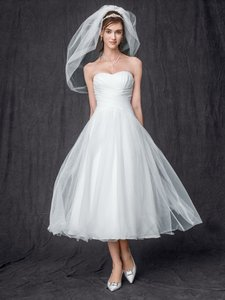 David's Bridal Strapless Tulle Tea Length Wedding Gown Sold Out In Stores Wedding Dress