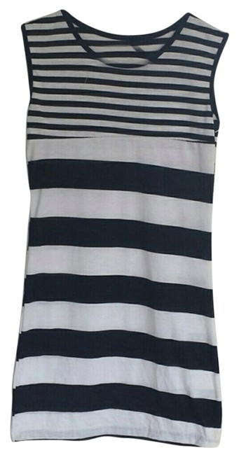 Preload https://item1.tradesy.com/images/whiteblack-bodycon-mini-short-casual-dress-size-4-s-4236175-0-0.jpg?width=400&height=650