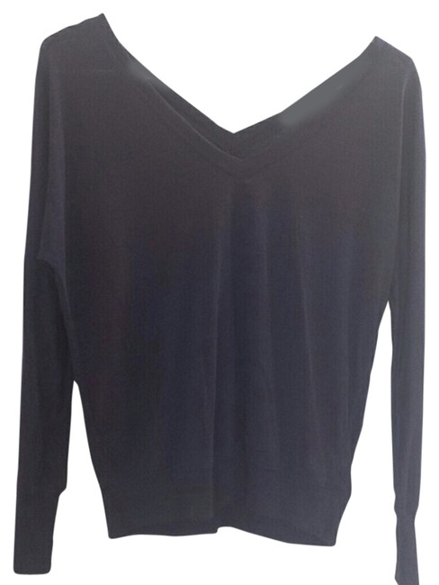 Preload https://item3.tradesy.com/images/american-eagle-outfitters-purple-sweaterpullover-size-2-xs-4236727-0-0.jpg?width=400&height=650