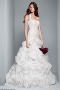 Vera Wang Fit And Flare Wedding Dress