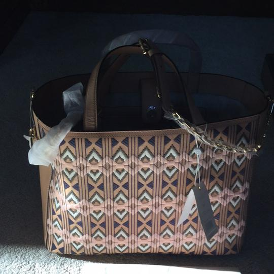 Tory Burch Leather Tote Neutral Leather Shoulder Bag