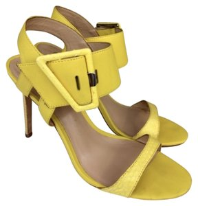 Charles David Buckle Heel Summer Color Fun Trendy Chic Yellow Pumps