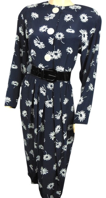 Preload https://img-static.tradesy.com/item/4239952/liz-claiborne-navy-and-white-day-knee-length-workoffice-dress-size-12-l-0-0-650-650.jpg