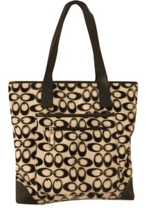 Korea Large Tote in black/white