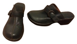 B.O.C. Leather Comfortable Blue Mules