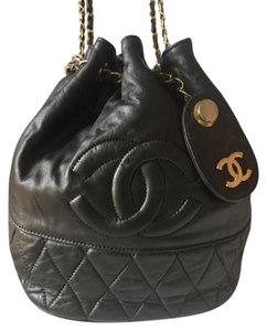 Chanel Vintage Bucket Cross Body Vintage Rare Shoulder Bag