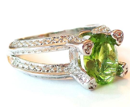 Other Lovely Green Peridot 926 Sterling Siver Solitaire Ring 6.75