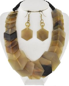 TRUE 2 Brown Horn Necklace and Earrings
