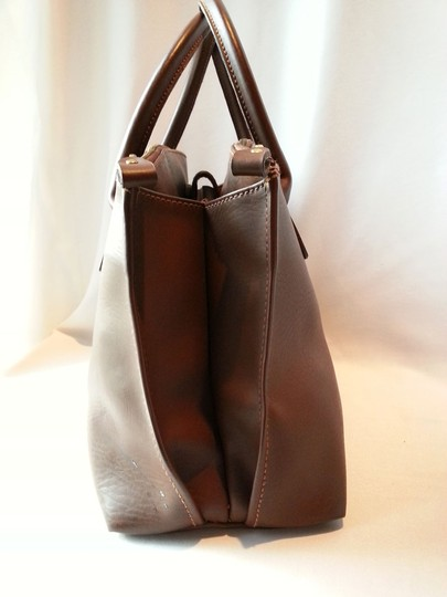 Perry Ellis America Vintage Gold Hardware Metal Zippers Expandable Sides 3 Compartments Satchel in Brown