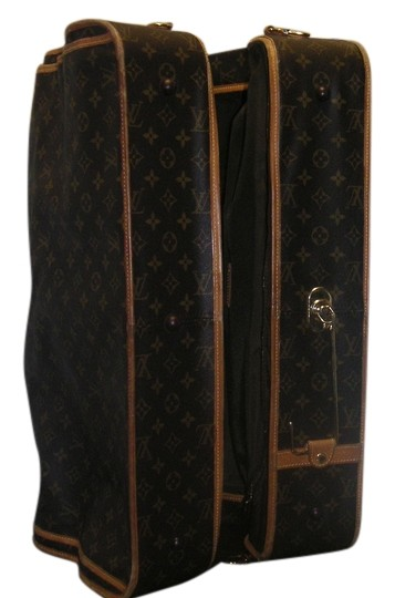 Preload https://item2.tradesy.com/images/louis-vuitton-garment-carrier-weekendtravel-bag-4248916-0-0.jpg?width=440&height=440